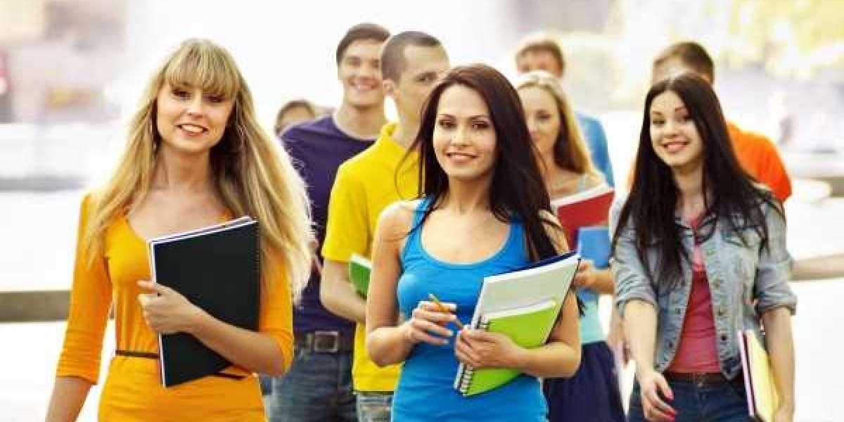 Contact top education consultants in Delhi